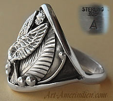 A Landing Eagle is on this ethnic Navajo Native american sterling silver ring