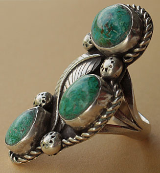 3 cariko lake turquoises on this navajo indian native ring