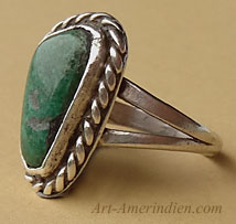Navajo Indian old pawn sterling silver ring with green turquoise and rope