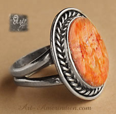 Spinny oyster and sterling silver navajo indian native american ring