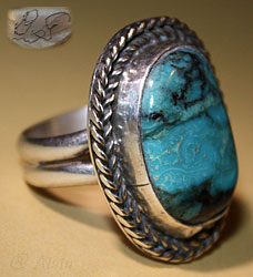Navajo Native American Indian Navajo ring made from Sterling Silver and rare Blue Diamond Turquoise