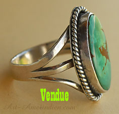 Navajo indian native american sterling silver ring with green turquoise, copper matrix.