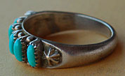 Old Pawn Zuni native american Indian tribal ring, 6 petit point turquoises