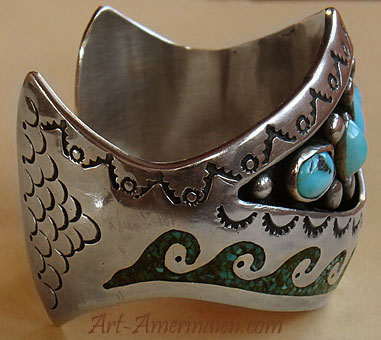 Authentic vintage american native indian jewelry, this Navajo bracelet is hallmarked DN by navajo artist.