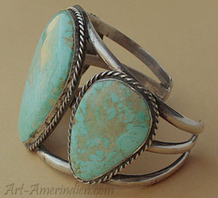 Navajo Indian native american bracelet with 3 large turquoises, sterling silver jewelry