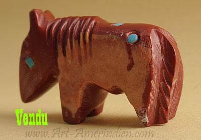 Fétiche tribal amérindien Zuni représentant un poney